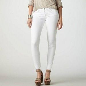 NWOT American Eagle skinny straight white jeans 4